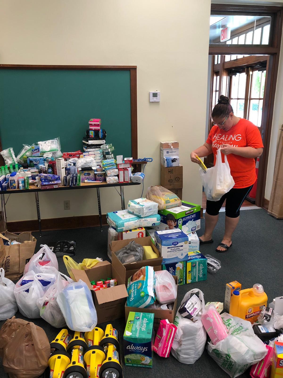Hurricane Donations / Donaciones para el huracan / Don pou siklòn lan